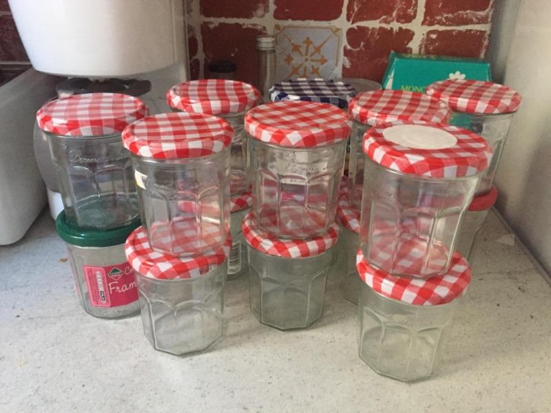 Recyclage, Récupe & Don d'objet : 16 pots à confiture en verre vides