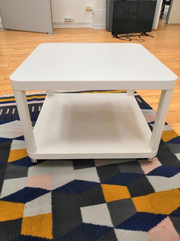 Recyclage, Récupe & Don d'objet : table basse à roulettes