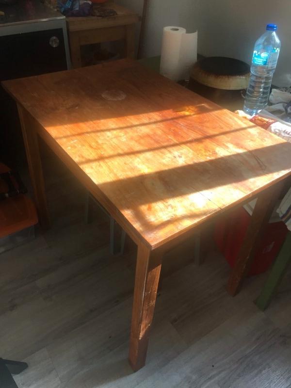 Recyclage, Récupe & Don d'objet : table en bois simple 20ème