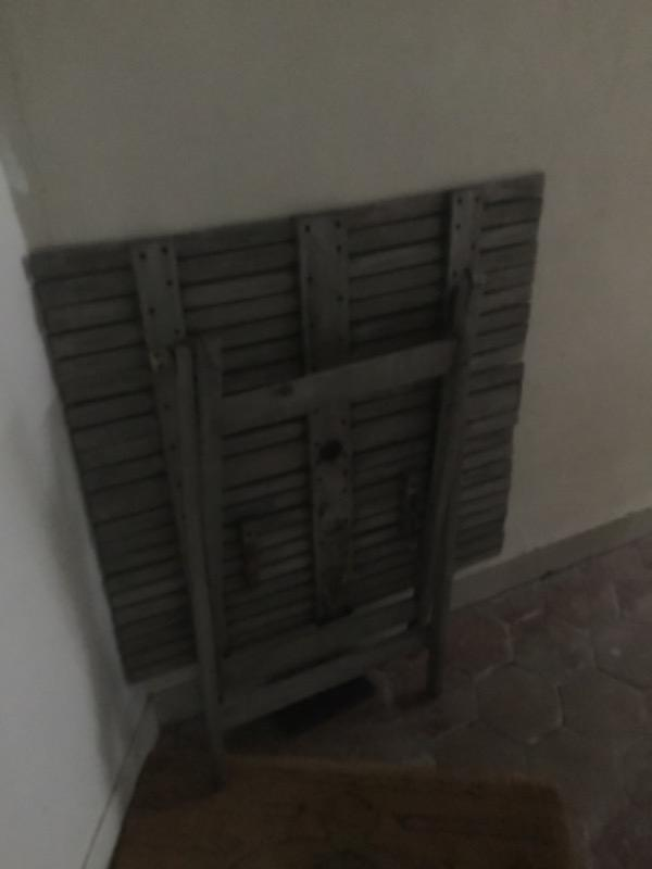 Recyclage, Récupe & Don d'objet : table en bois carré pour extérieur