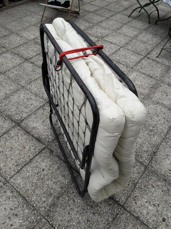 Recyclage, Récupe & Don d'objet : futon 1 place en lit de camp