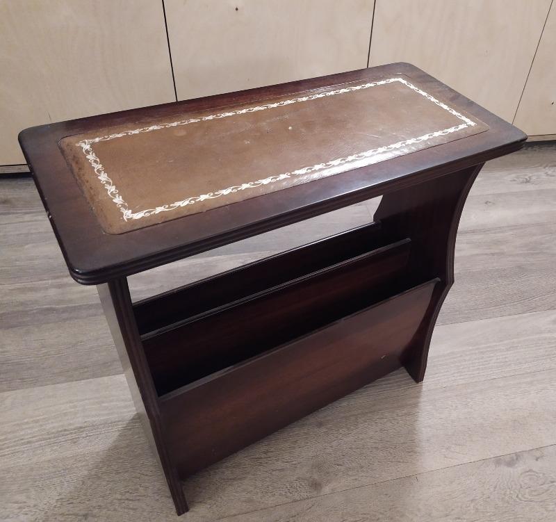 Recyclage, Récupe & Don d'objet : table d'appoint / range-magazines en bois