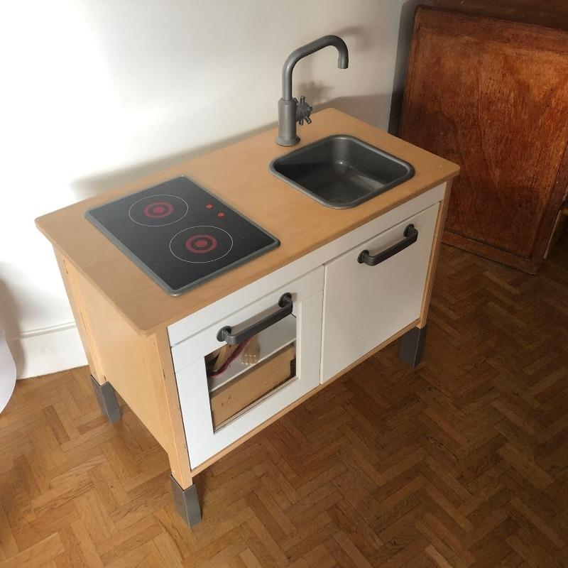 Recyclage, Récupe & Don d'objet : petit placard cuisinière enfant