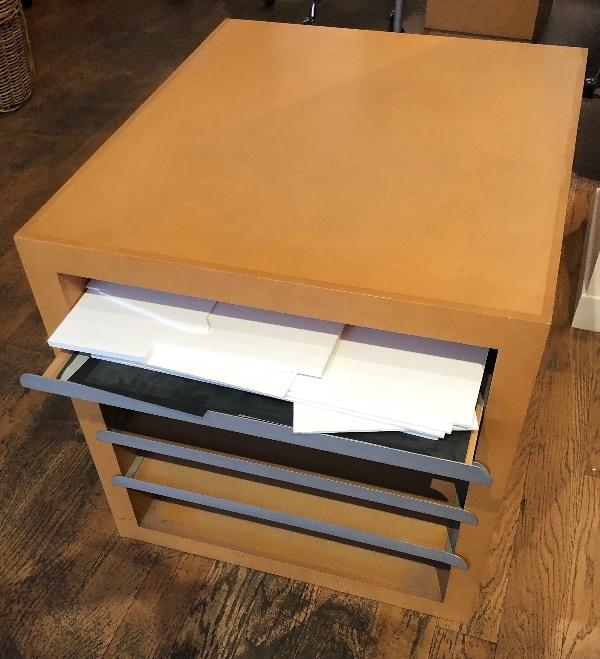 Recyclage, Récupe & Don d'objet : meuble de rangement pour des feuille de de...