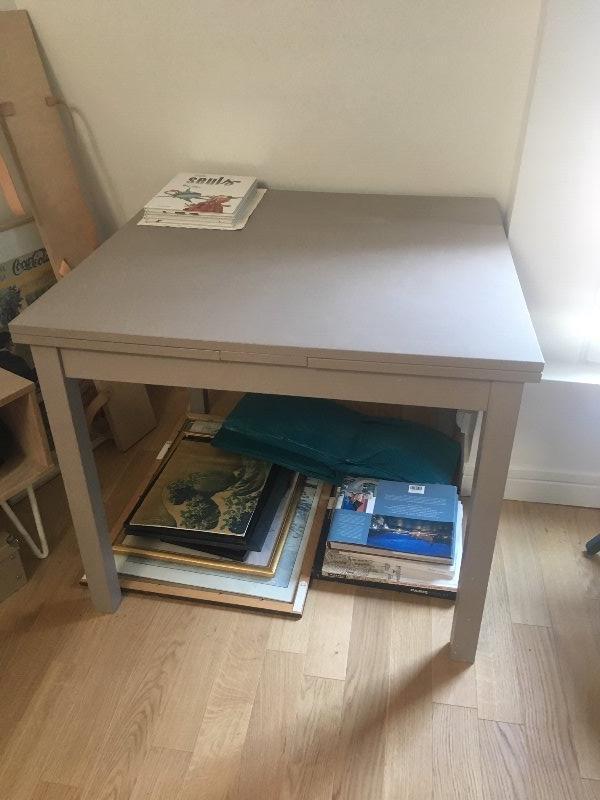 Recyclage, Récupe & Don d'objet : table peinte en bois carré extensible