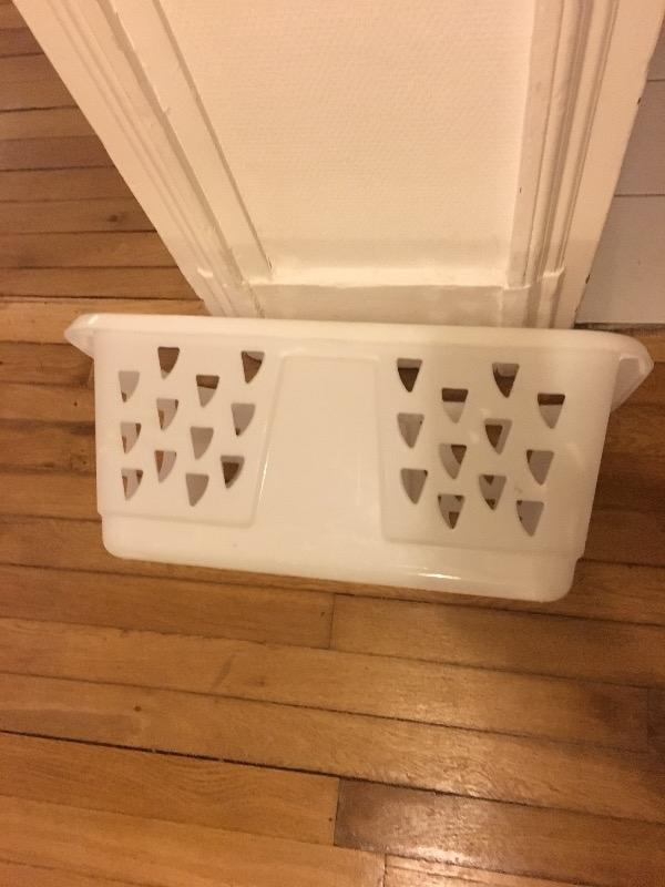 Recyclage, Récupe & Don d'objet : panière blanche