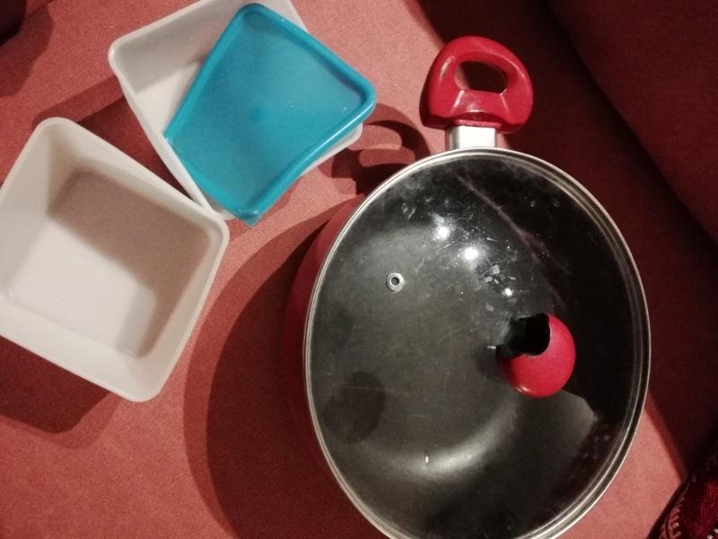 Recyclage, Récupe & Don d'objet : casserole et tupperware état moyen