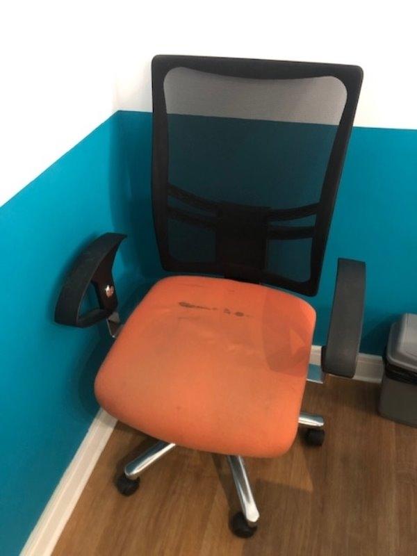 Recyclage, Récupe & Don d'objet : 2 chaises de bureau