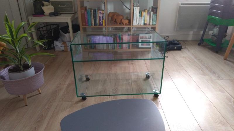 Recyclage, Récupe & Don d'objet : meuble en verre à roulettes