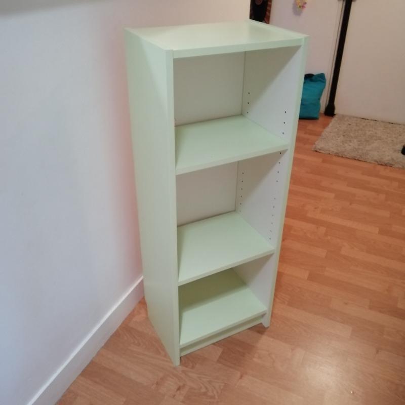 Recyclage, Récupe & Don d'objet : petit meuble bas/ bibliothèque