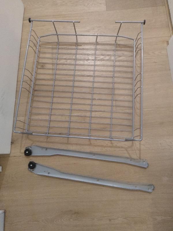 Recyclage, Récupe & Don d'objet : corbeille en fileur ikea 55x55x11