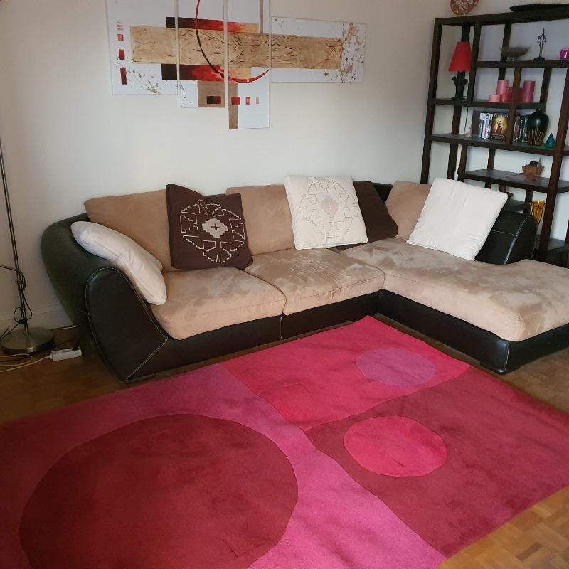 Recyclage, Récupe & Don d'objet : grand tapis rouge formes géométriques