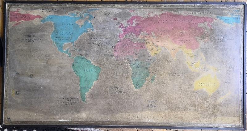 Recyclage, Récupe & Don d'objet : carte du monde murale sur support cartonné