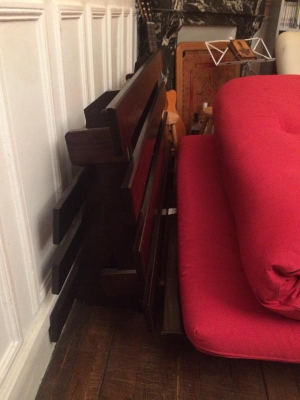 Recyclage, Récupe & Don d'objet : futon-canapé et sa structure en bois
