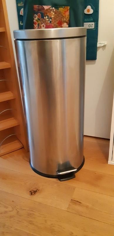 Recyclage, Récupe & Don d'objet : poubelle à pédale