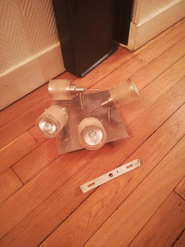 Recyclage, Récupe & Don d'objet : petit plafonnier de 4 spots en alu brossé ...