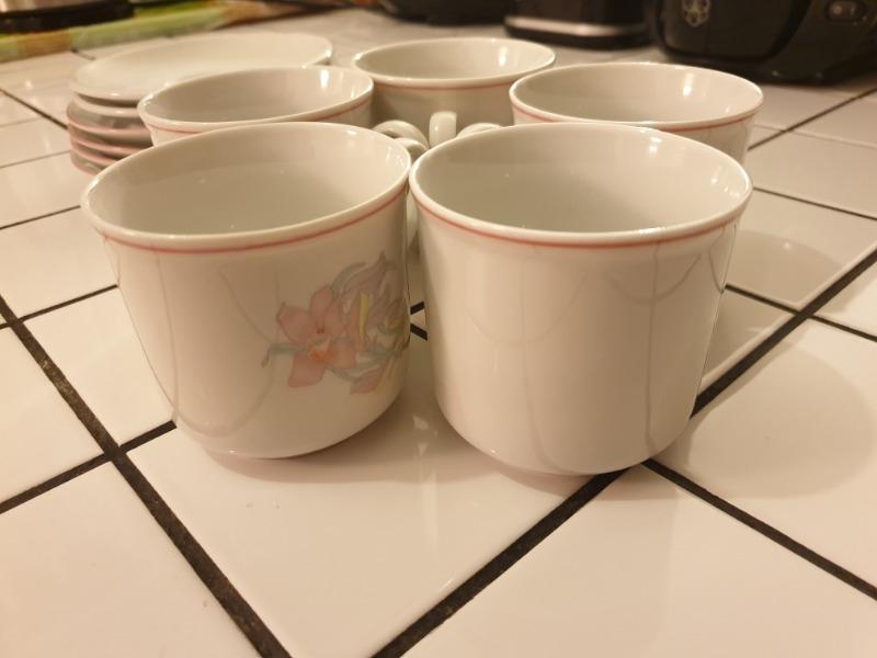 Recyclage, Récupe & Don d'objet : tasses de thé en très bon état