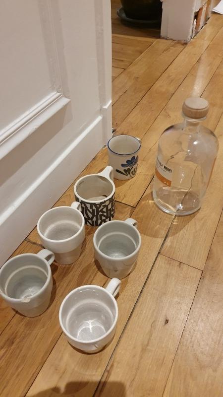 Recyclage, Récupe & Don d'objet : ensemble verrerie tasses flacon