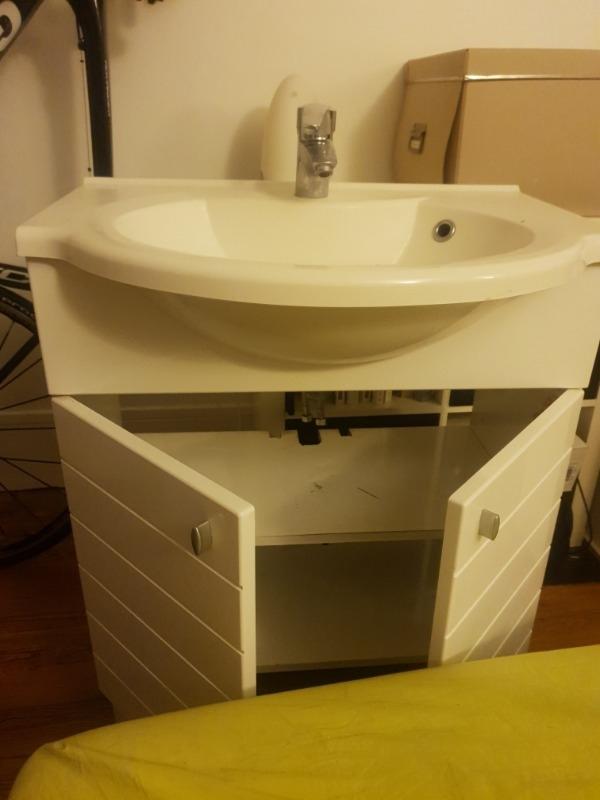 Recyclage, Récupe & Don d'objet : meuble sous vasque + vasque + robinet grohe