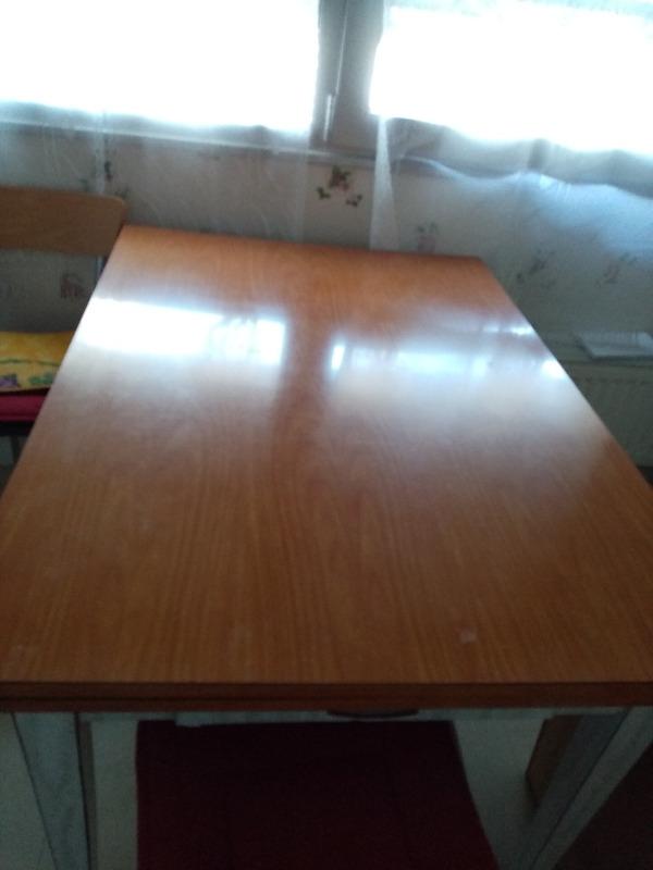 Recyclage, Récupe & Don d'objet : table salon et table cuisine