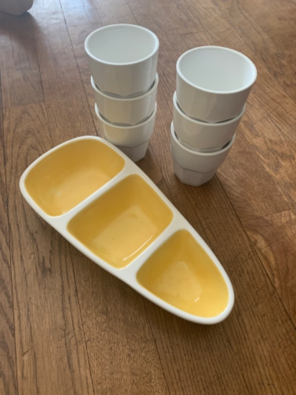 Recyclage, Récupe & Don d'objet : lot de 6 tasses + plat