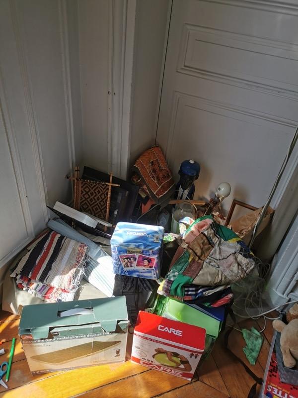 Recyclage, Récupe & Don d'objet : lot d'objets déco- matelas- bureau...