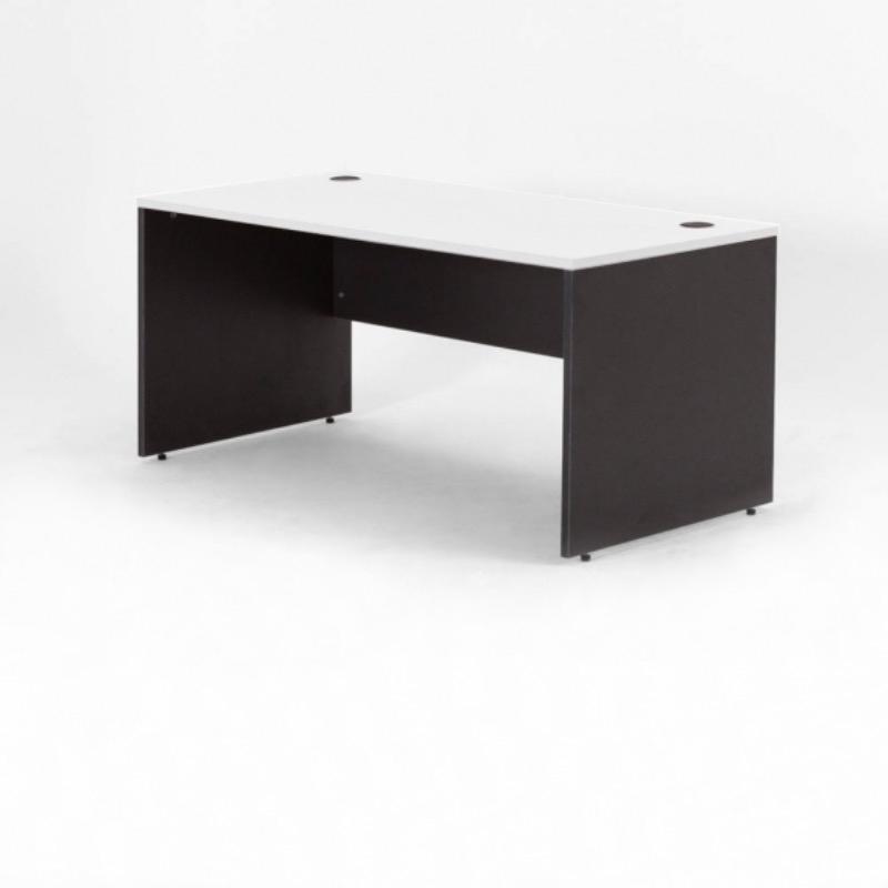 Recyclage, Récupe & Don d'objet : chaise de bureau + 3 bureaux