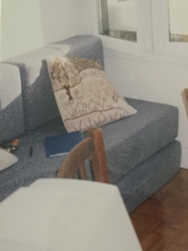 Recyclage, Récupe & Don d'objet : canapé de 2 blocs de mousse
