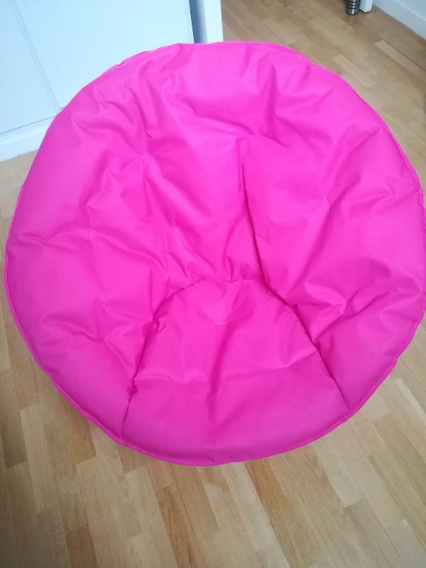 Recyclage, Récupe & Don d'objet : fauteuil rose extérieur