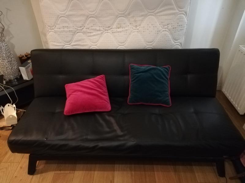 Recyclage, Récupe & Don d'objet : canapé lit noir cuir de 170 cm de long
