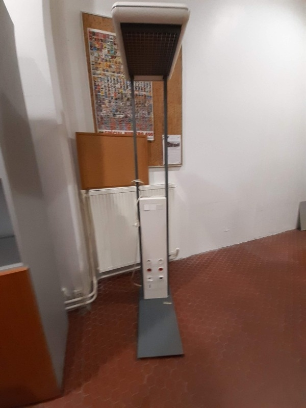 Recyclage, Récupe & Don d'objet : lampadaire de bureau
