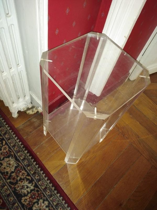 Recyclage, Récupe & Don d'objet : guéridon en plexiglass