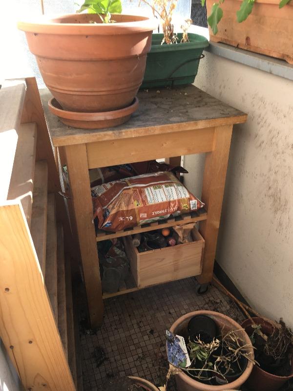 Recyclage, Récupe & Don d'objet : etablis/ table de jardinage/ bricolage