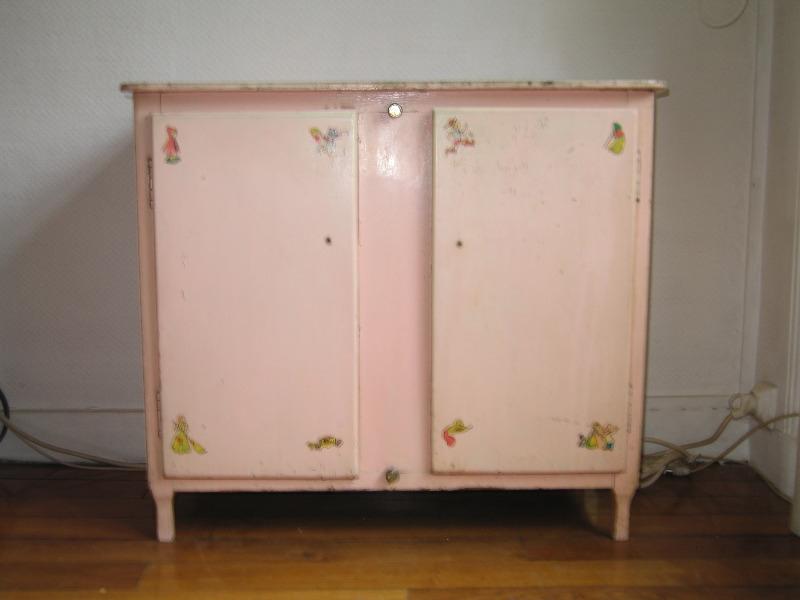 Recyclage, Récupe & Don d'objet : armoire de petite fille 74*36,5*65