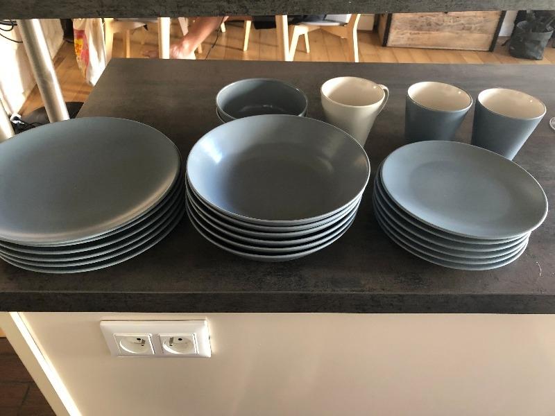 Recyclage, Récupe & Don d'objet : lot de vaisselle ikea