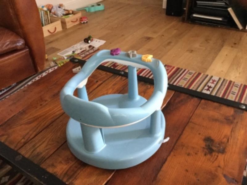 Recyclage, Récupe & Don d'objet : siège bébé pour le bain
