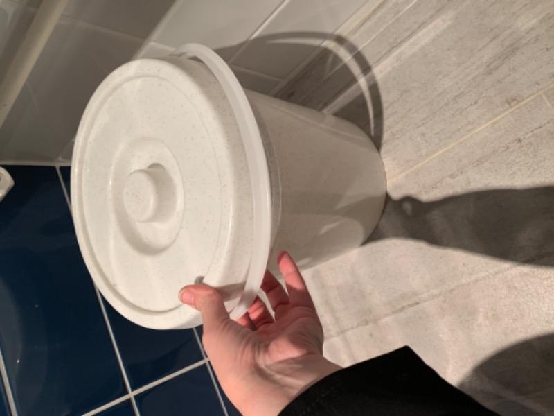 Recyclage, Récupe & Don d'objet : seau à couches lavables ou autre