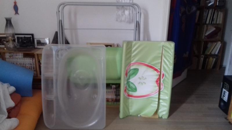 Recyclage, Récupe & Don d'objet : table à langer bébé avec baignoire