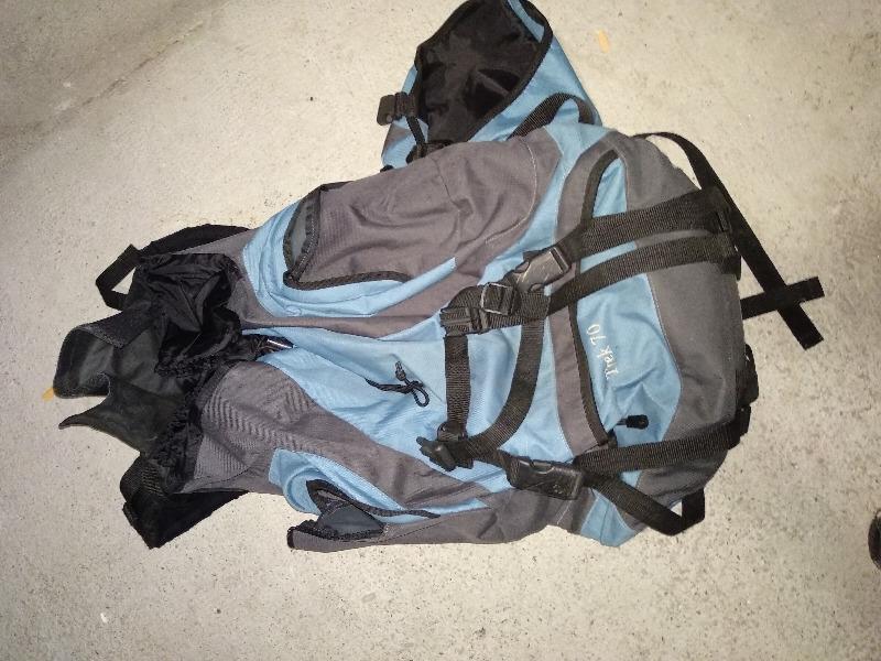 Recyclage, Récupe & Don d'objet : sac à dois decathlon 70l