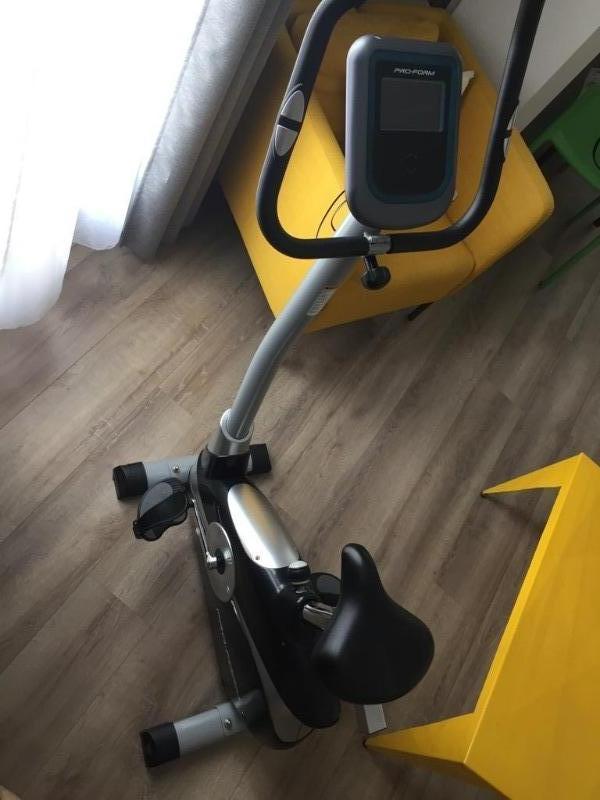 Recyclage, Récupe & Don d'objet : vélo d'appartement 6 ans, peu servi