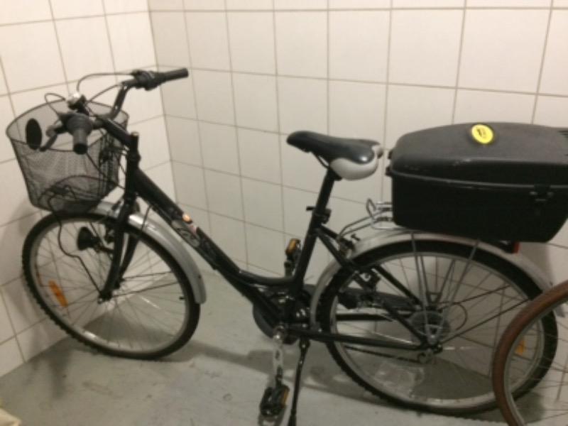 Recyclage, Récupe & Don d'objet : vélo femme noir