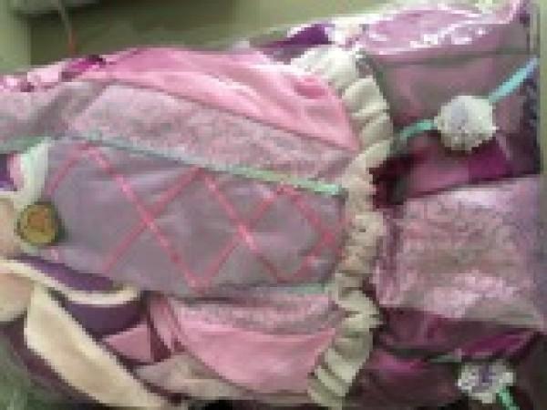 Recyclage, Récupe & Don d'objet : cape et robe 8 ans raiponce