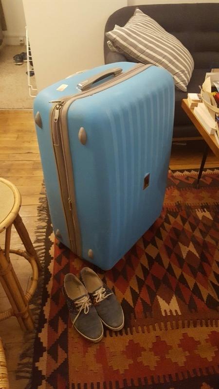 Recyclage, Récupe & Don d'objet : grande valise à roulette