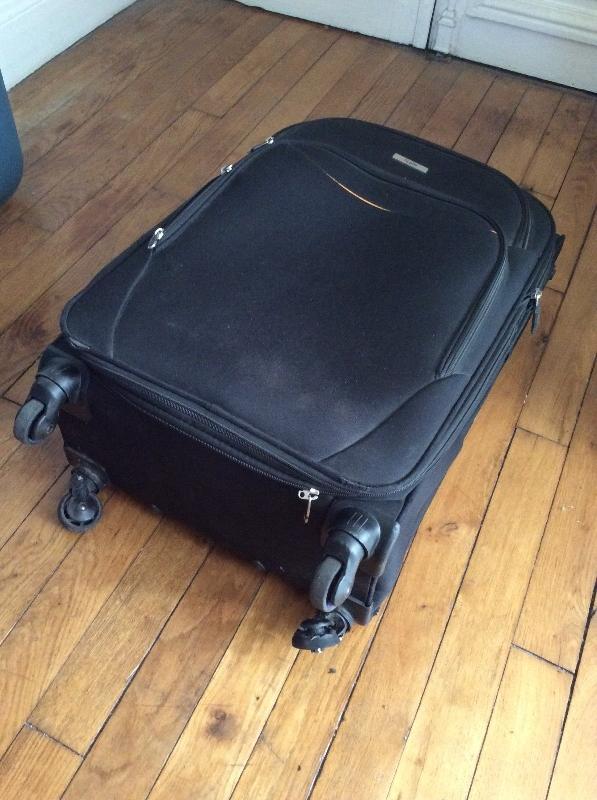 Recyclage, Récupe & Don d'objet : valise roue cassée