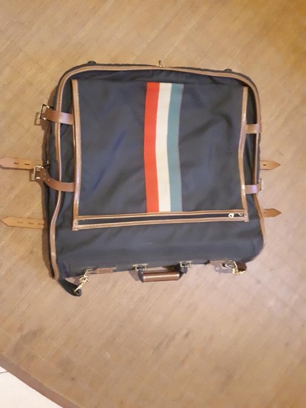 Recyclage, Récupe & Don d'objet : sac de voyage bleu marine