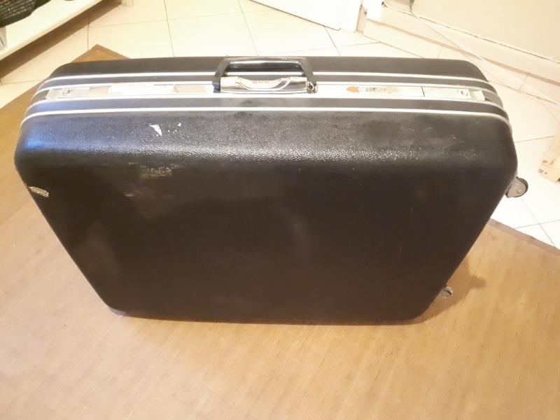 Recyclage, Récupe & Don d'objet : grande valise noire samsonite à roulettes