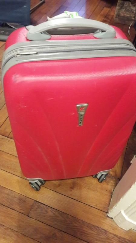 Recyclage, Récupe & Don d'objet : valise cabine rouge