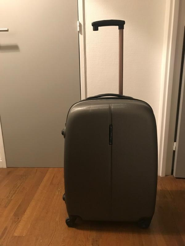 Recyclage, Récupe & Don d'objet : valise 4 roues taille medium