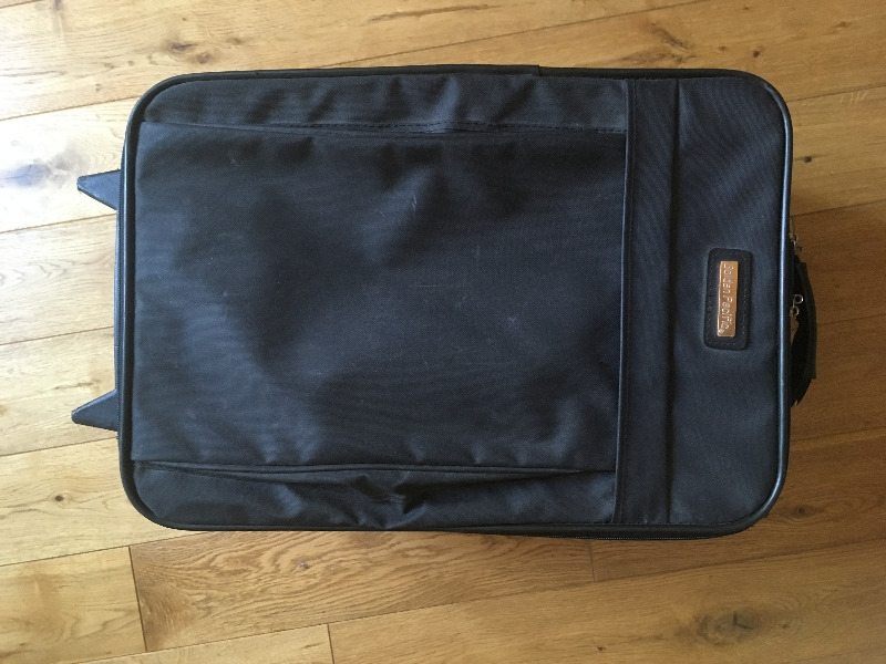 Recyclage, Récupe & Don d'objet : valise noire taille moyenne