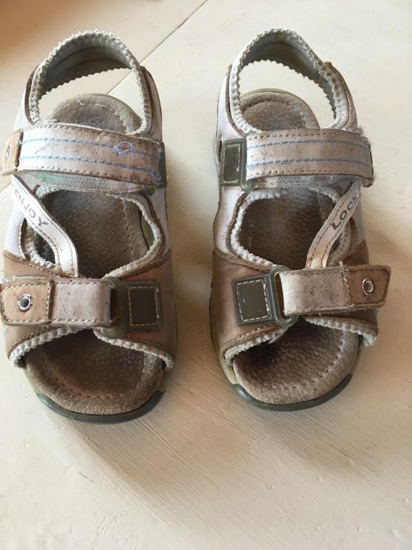 Recyclage, Récupe & Don d'objet : chaussures été garçon taille 28